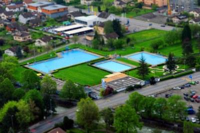 Vue aérienne de la piscine Monthey