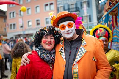Un joyeux couple de clowns