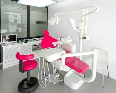 Une salle de soins de la clinique Adent