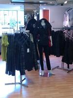 Mannequin et vestes à la Boutique Fémina Mode