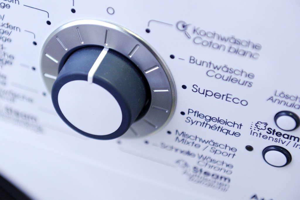 Détail d'une machine à laver chez EP:FiJitechnic à Monthey