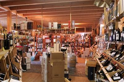 La grande sélection de vins et d'eaux-de-vie de La Guérite à Monthey