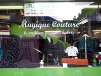 La vitrine avant de la Boutique Magique Couture
