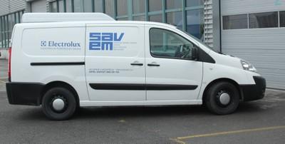 La camionnette de la Société SAVEM Electroménager à Monthey.